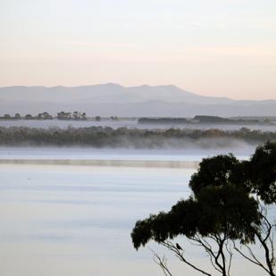 Mist_Mountains_Water